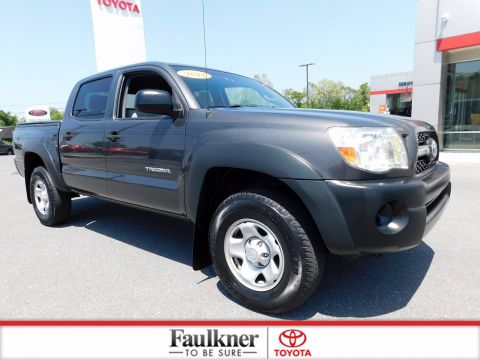 Pre-Owned 2011 Toyota Tacoma Base 4WD Crew Cab Pickup